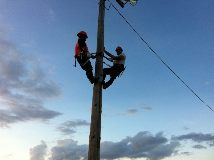 Power Line Students Get Aerial View